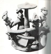 Ronda alrededor de hongo. Cerámica precolombina, Mesoamérica.