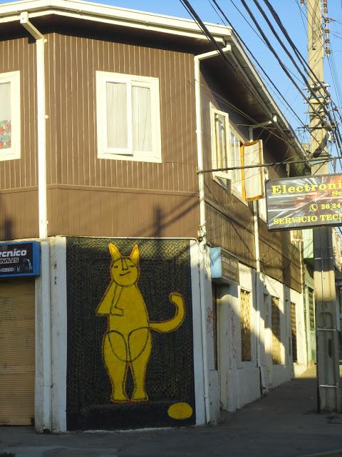 """Gato Gurba"", reproduccion en muro de la obra del artista Francisco Nugnez. Foto: www.murosquemiranelmar.org"