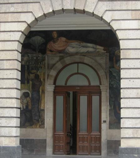 Fragmento de mural de Diego Rivera en arco y puerta de Secretaria de Educación Pública - SEP. Ciudad de México, Foto: Ximena Jordán.