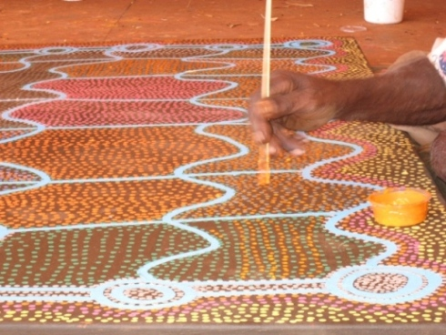 Australian aboriginal art of Yuendumu (previously sand paintings). Photo: Margarita Aguayo.