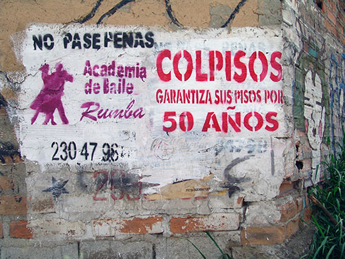 Aviso_Sténcil_no-pase-penas_Tulio-Restrepo.jpg